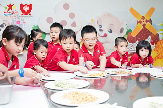 dinh dưỡng của trẻ học trường mầm non quốc tế