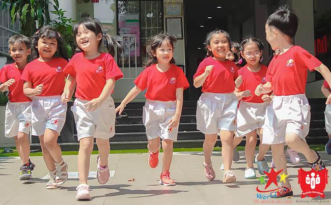 phương pháp giáo dục montessori là gì cho trẻ mầm non