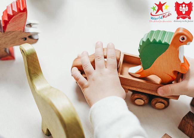phương pháp montessori lấy trẻ làm trung tâm