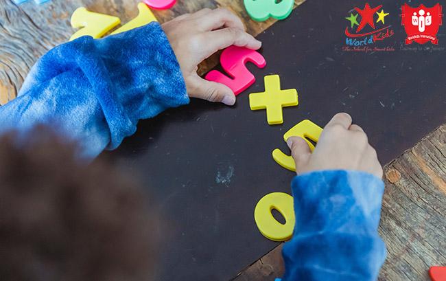 phương pháp giáo dục montessori toán học